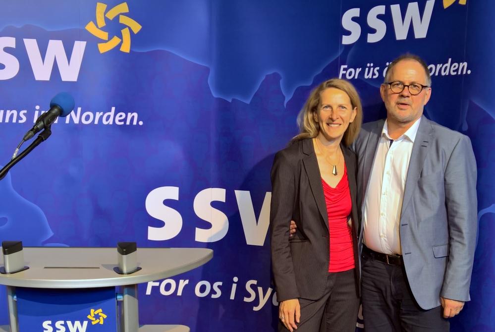 Sichtlichlich erschöpft, aber zufrieden präsentierten sich Susanna Swoboda und Marcel Schmidt am Ende Landesparteitages als platzierte Kondidaten der Landesliste des SSW für die Landtagswahl 2017.